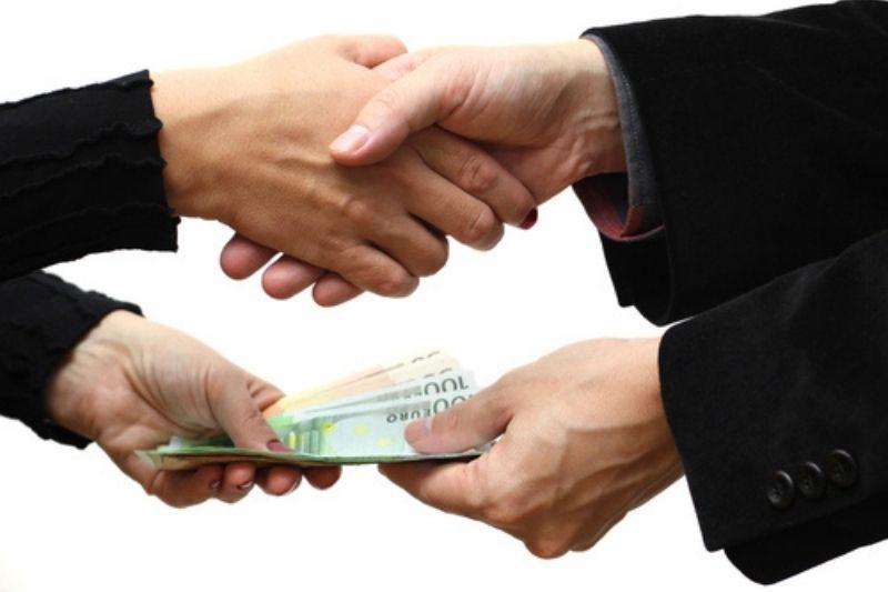 Как одолжить деньги и вернуть долг, чтобы шло нарастание денежной энергии: отдаем долги по лунному календарю