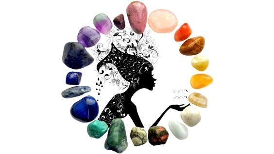 Камни подходящие женщине Водолею по дате рождения и китайскому календарю